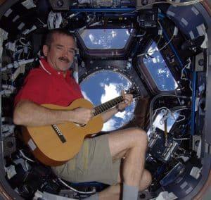 L'astronaute C. Hadfield et ses tweets.
