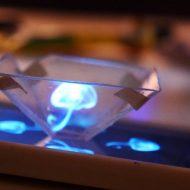 systeme D hologramme smartphone