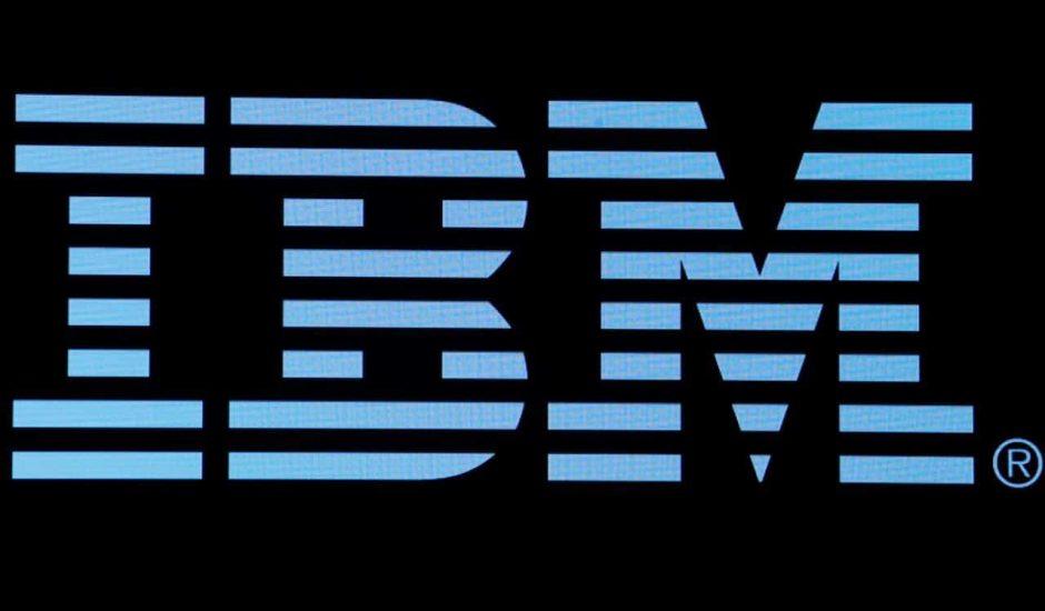 IBM LOGO bleu sur noir