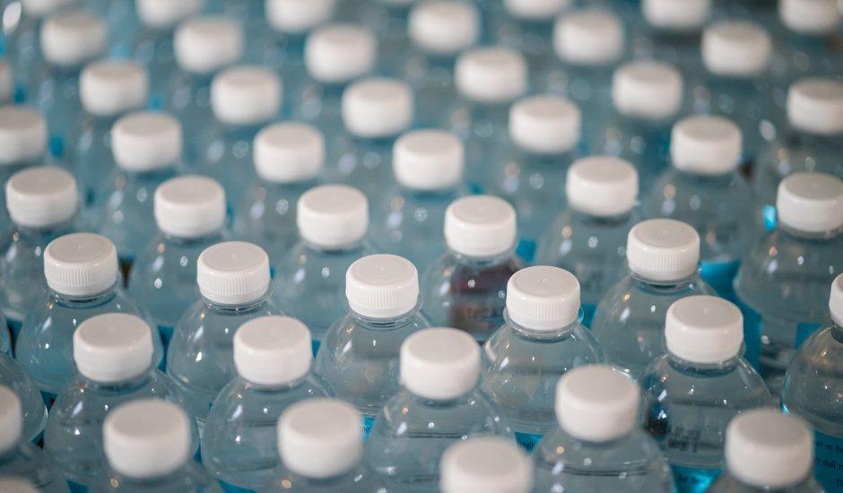 Des microplastiques retrouvés dans les selles de l'Homme pour la première fois.