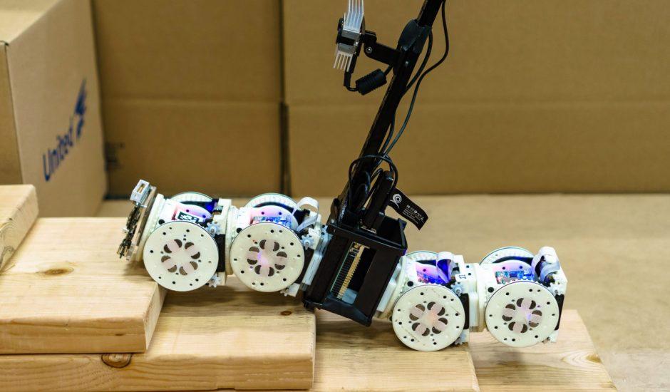 robot SMORES-EP