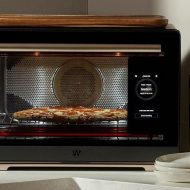 Whirlpool a dévoilé un four qui reconnait votre nourriture et la cuit à la perfection