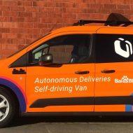 Walmart va continuer les tests de livraison autonome avec le véhicule Newton de la société Udelv.