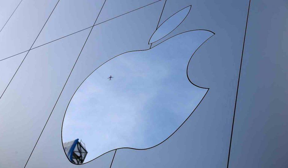 Apple remet au gouvernement un rapport de sécurité volontaire sur son projet de voiture autonome.
