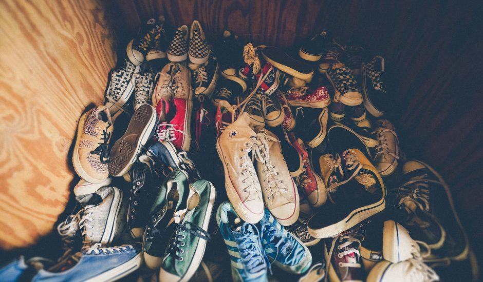 photos de chaussures en vrac
