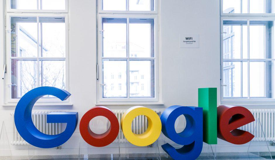 Google paye moins les hommes que les femmes.