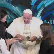 Le Pape François devient le premier Pape à rédiger une ligne de code