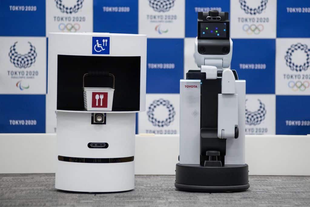 robot assistant japon