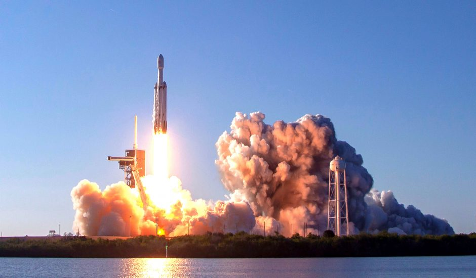 SpaceX a perdu l'un de ses trois propulseurs spatiaux pour la fusée Falcon Heavy à cause d'une mer agitée