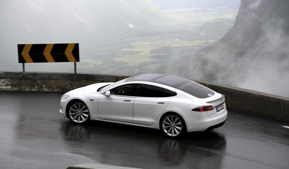 L'Autopilot de Tesla peut facilement être induit en erreur.