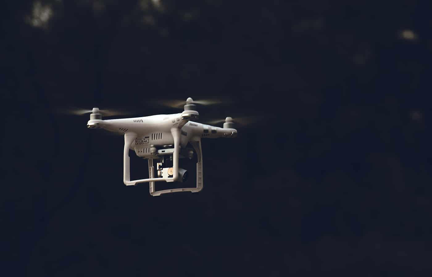 les aéroports anglais dont heathrow luttent contre les drones