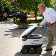 Les robots de Starship vont livrer divers encas aux étudiants de l'Université Purdue.