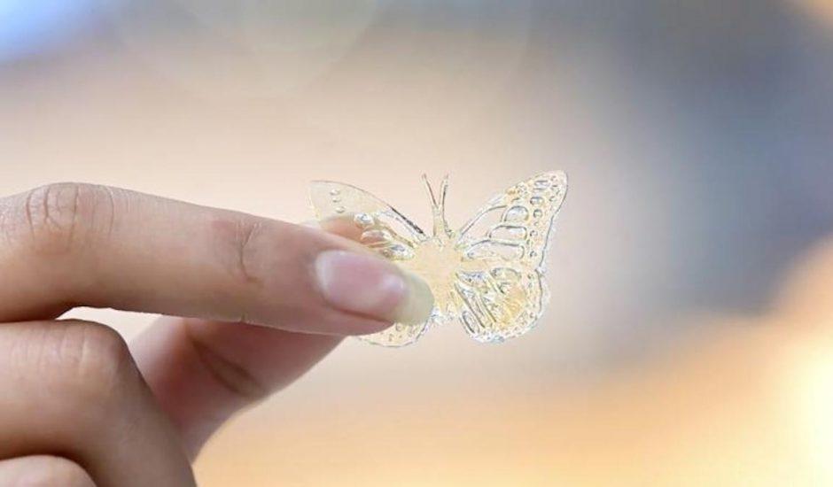 papillon en 3D à partir d'huile de cuisson usagée McDonald's.