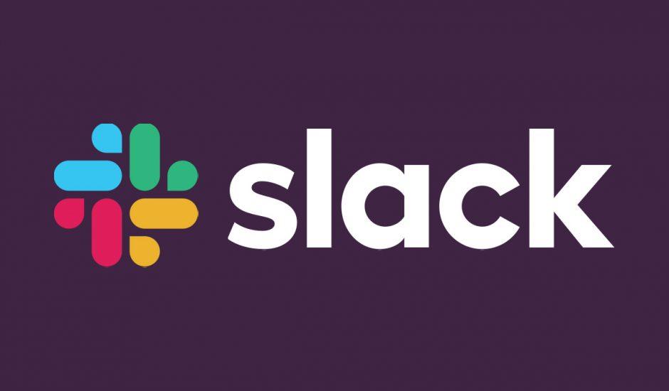 Le logo de Slack sur un fond violet.