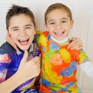 Les enfants influenceurs Swan et Néo