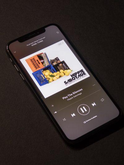 Spotify fait peau neuve.