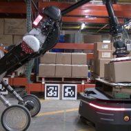 Handle et le robot d'OTTO Motors.