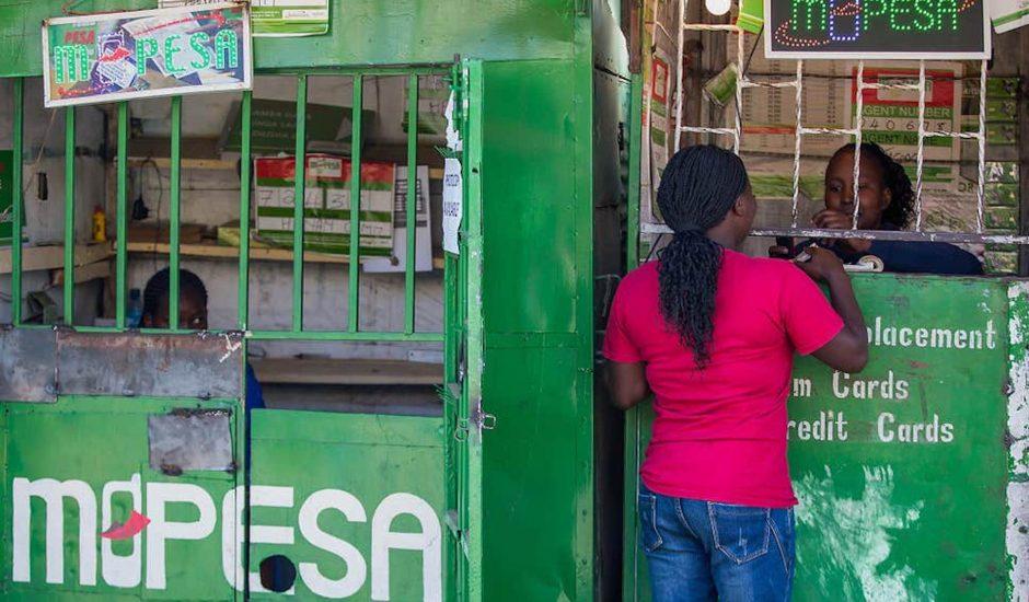 M-Pesa : le paiement mobile pour limiter la propagation du virus en Afrique.