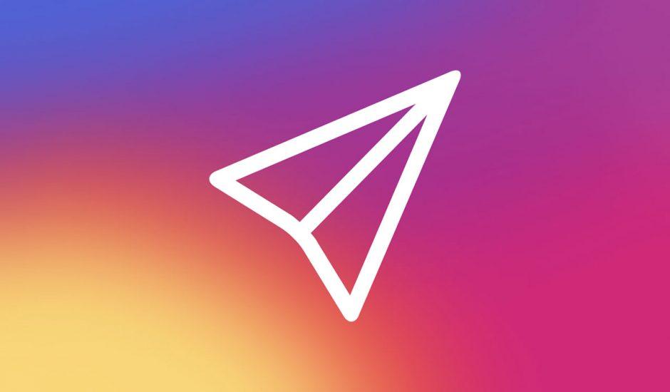 Le logo des Direct Messages d'Instagram sur fond dégradé jaune, rose et violet.
