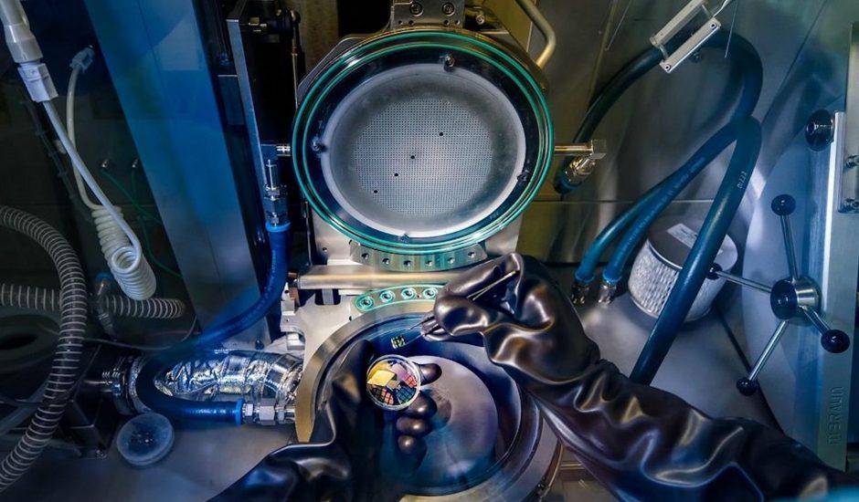 Un nouveau système de lithographie pour graver le silicium.