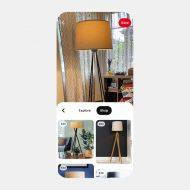 """Un smartphone avec l'interface de la fonctionnalité """"Shop"""" de Pinterest depuis Lens."""