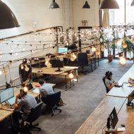 personnes dans un coworking