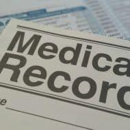 Un dossier médical.