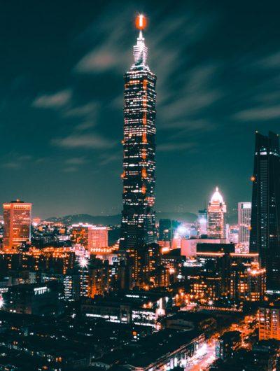 Photographie aérienne de nuit de la ville de Taipei à Taiwan