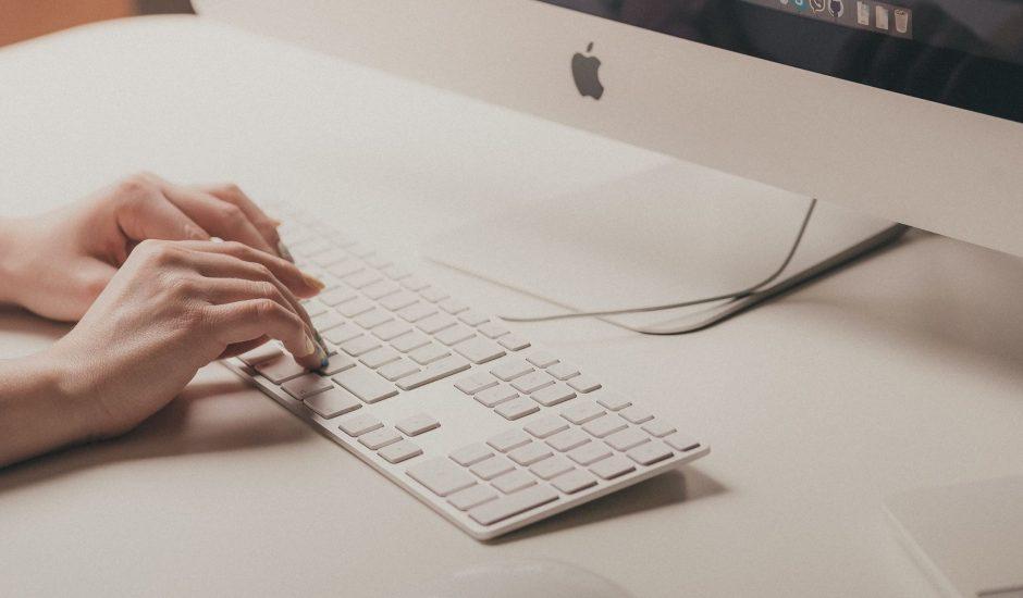 un utilisateur sur Mac