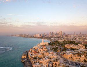 Une vue aérienne de la côte de Tel Aviv