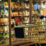 La grande distribution est préférée par les consommateurs français pour leur facilité d'achat.