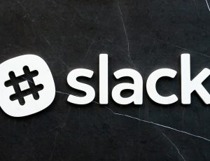 Le logo de Slack, plateforme de communication collaborative.