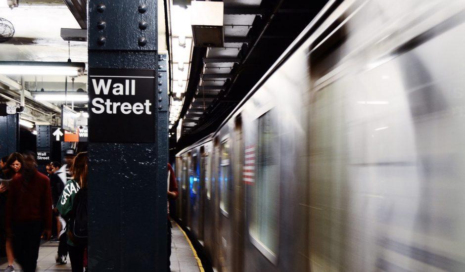 La station de métro de Wall Street à New York, aux États-Unis