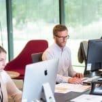 un service client avec trois salariés