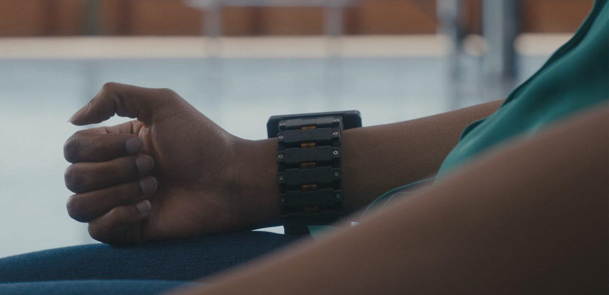 le bracelet développé par Facebook pour interagir avec son interface