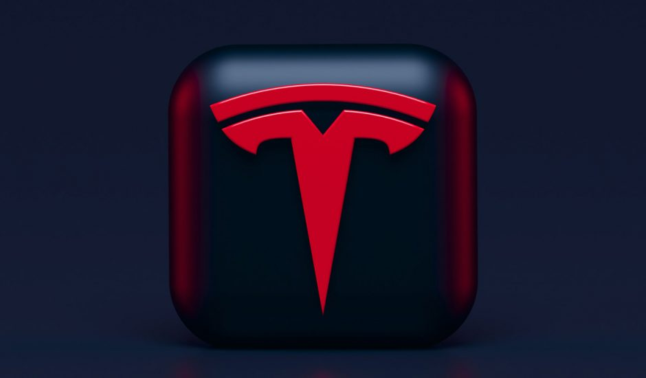 Le logo de Tesla en 3D.