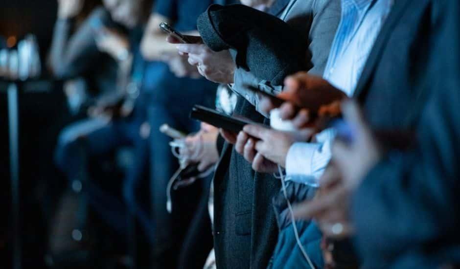 des utilisateurs des réseaux sociaux sur mobile