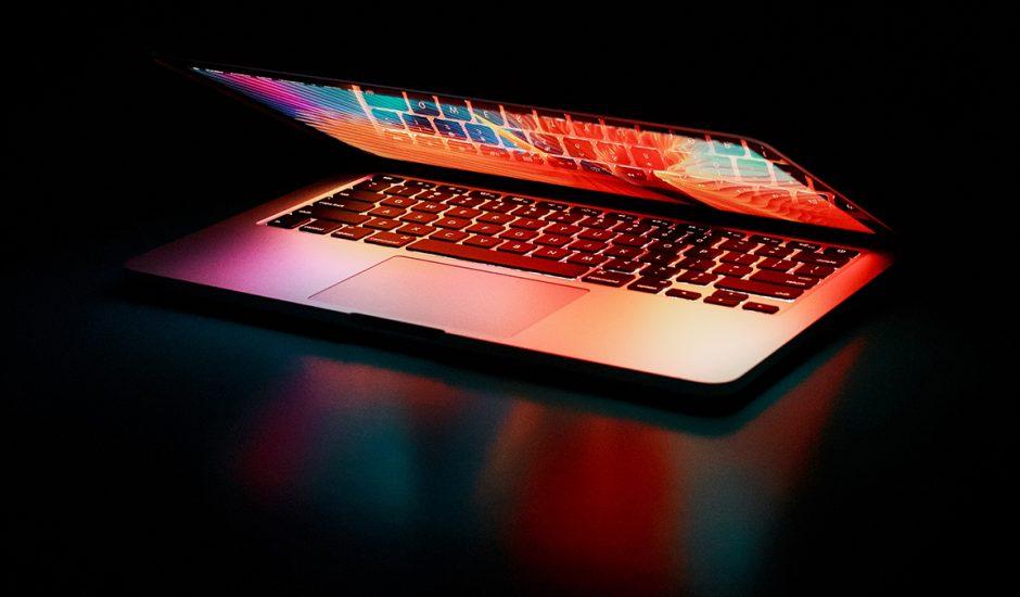 Les puces AppleM2 Silicon seraient déjà en production afin d'être intégrées aux MacBook qui sortiront à la fin de l'année2021.