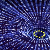 Image de ligne de codes avec les étoiles du drapeau de l'union européenne.