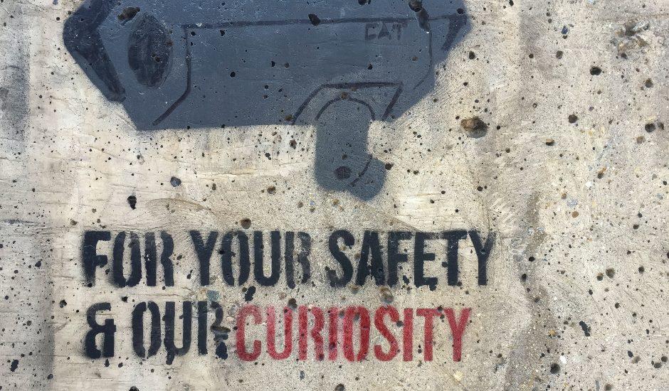Image d'un tag d'une caméra de surveillance. La NSA encore accusée d'espionner des politiques européens.