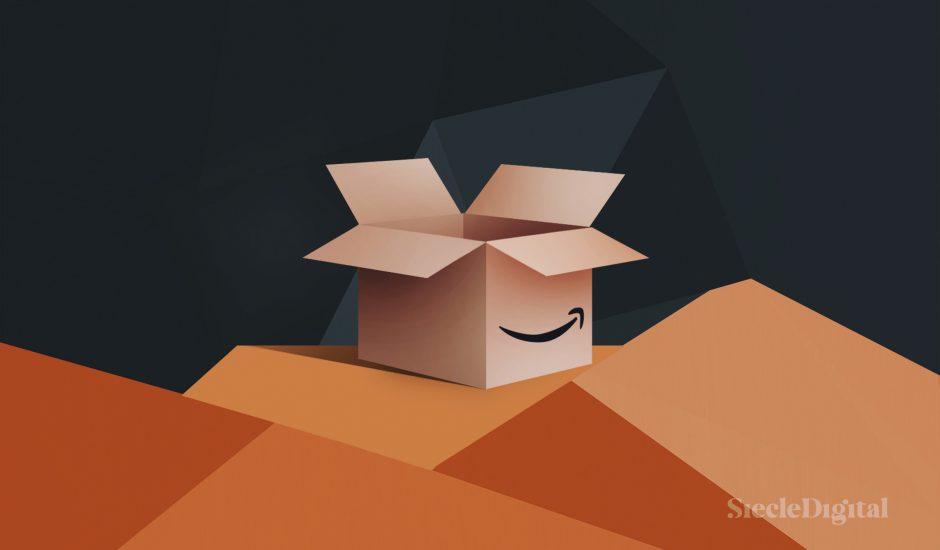Image d'un carton Amazon. Près de 4700 employés d'Amazon avaient accès aux données non publiques des vendeurs tiers.