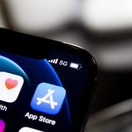 Le logo de l'App Store sur un iPhone.