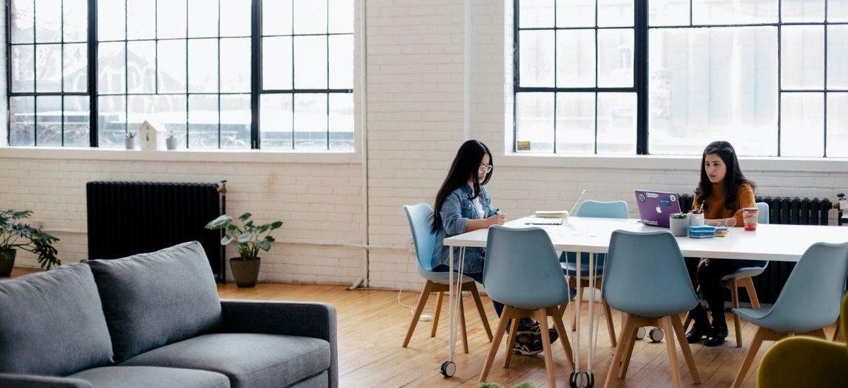 un service client dans un open space