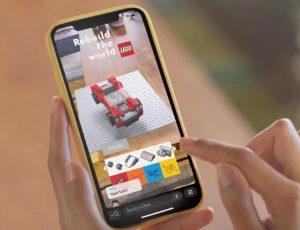personne en train de construire un lego sur snapchat