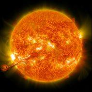 Photographie d'une eruption solaire.