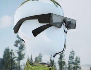 un homme transparent avec des lunettes de réalité augmentée snapchat