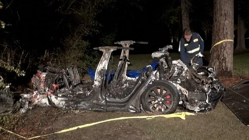 photo de l'accident de tesla survenu au texas