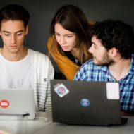 trois étudiants en marketing digital
