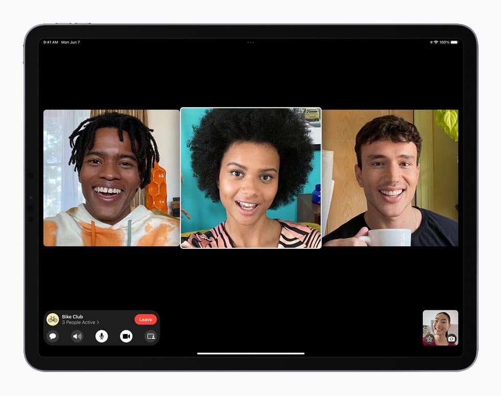 WWDC 2021. Image de l'iPadOS 15 pendant une conversation Facetime.