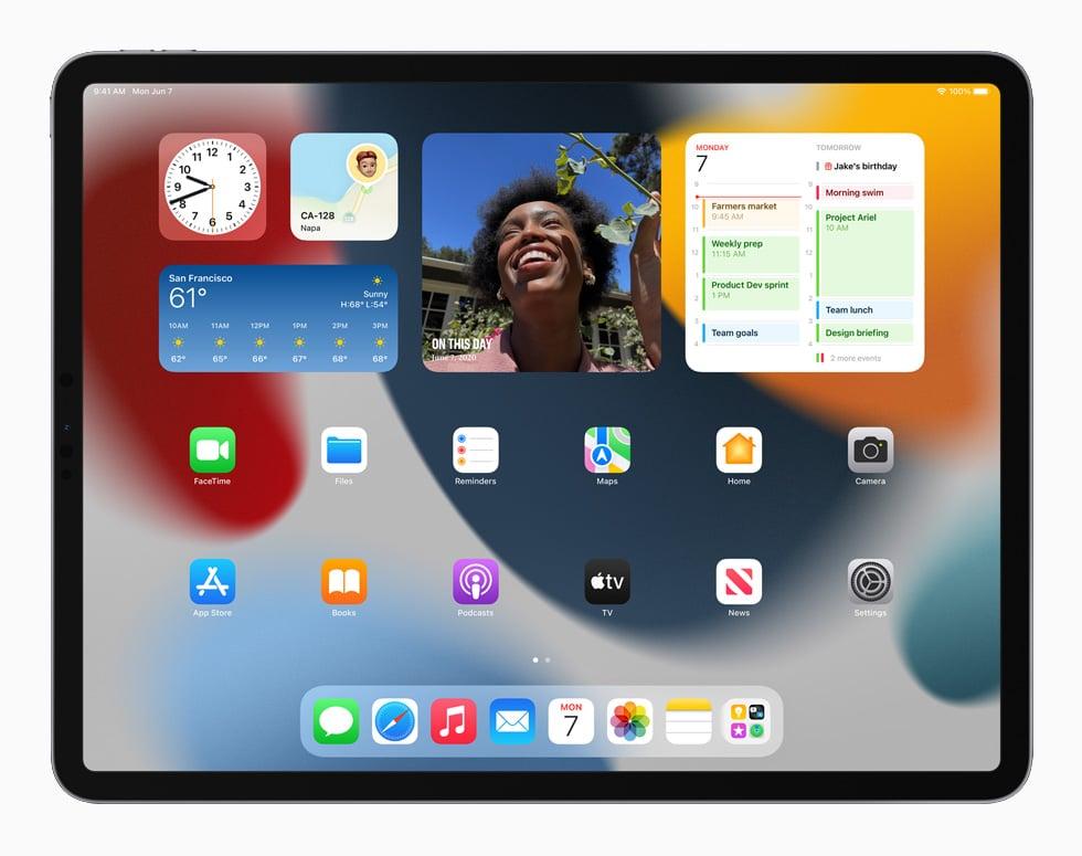 WWDC 2021. Ecran de l'iPadOS15 avec des widgets
